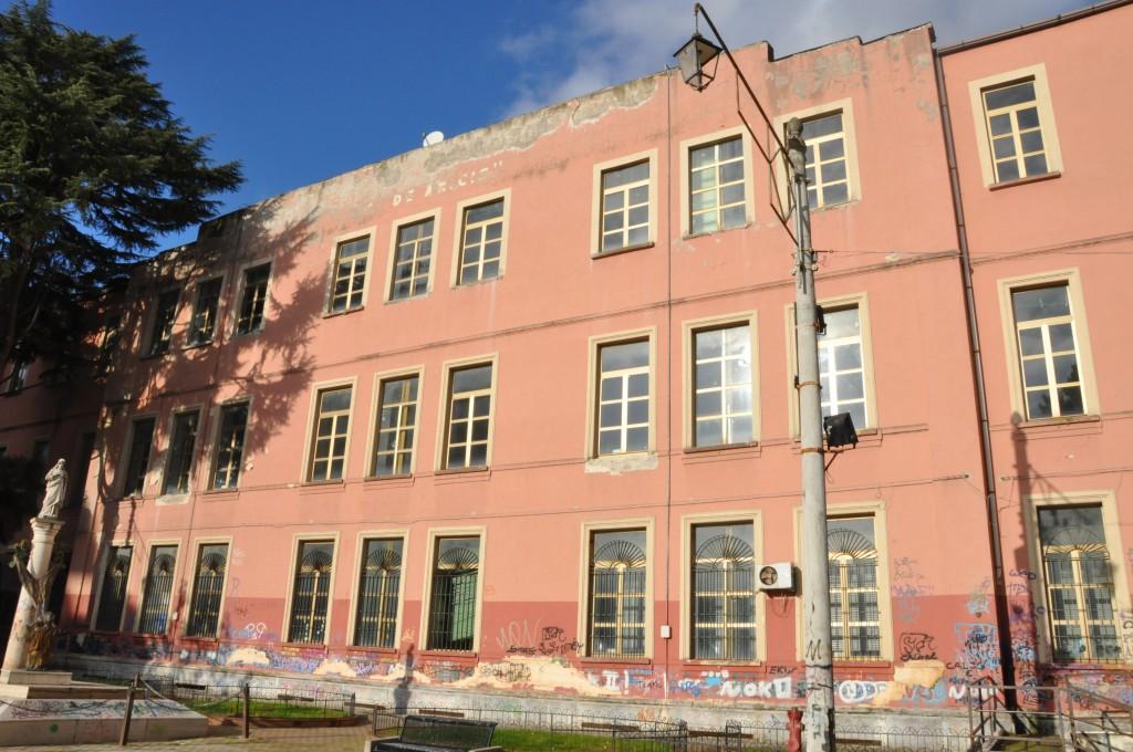 scuola De Amiciis